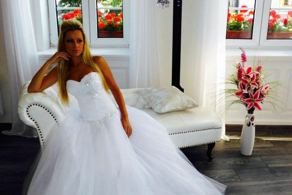 2c81fc541984 Ilustračný obrázok k článku Dokonalé nevesty  S týmito šatami budete na  vlastnej svadbe žiariť!